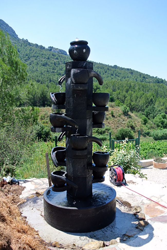 Grande fontaine DEWI importation directe mobilier de jardin