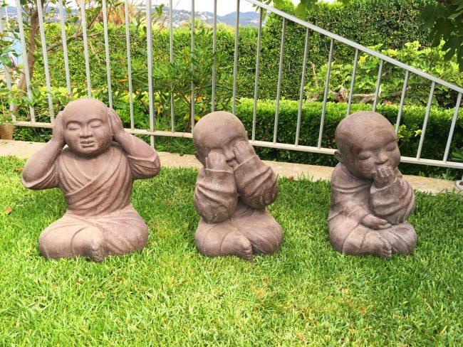 Statues Moines Shaolin DEWI décoration mobilier de jardin Sanary